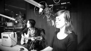 Sharon van Etten - Every time the sun comes up acoustic performance