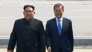 Korean leaders Kim Jong Un, Moon Jae-in meet for historic summit