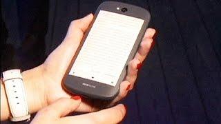 Ya está aquí el Yotaphone 2, el primer dispositivo móvil con dos pantallas - economy
