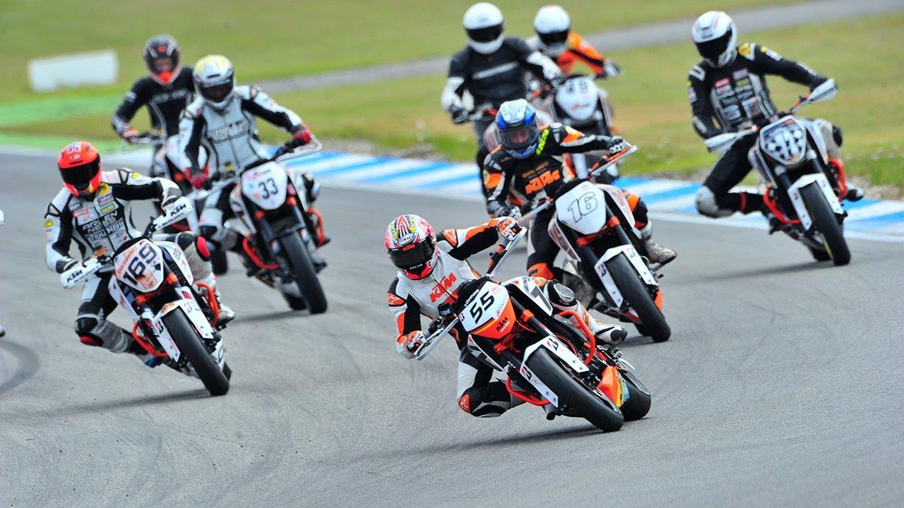 Ktm Duke Battle Hockenheimring 2013 Race 2 Youtube