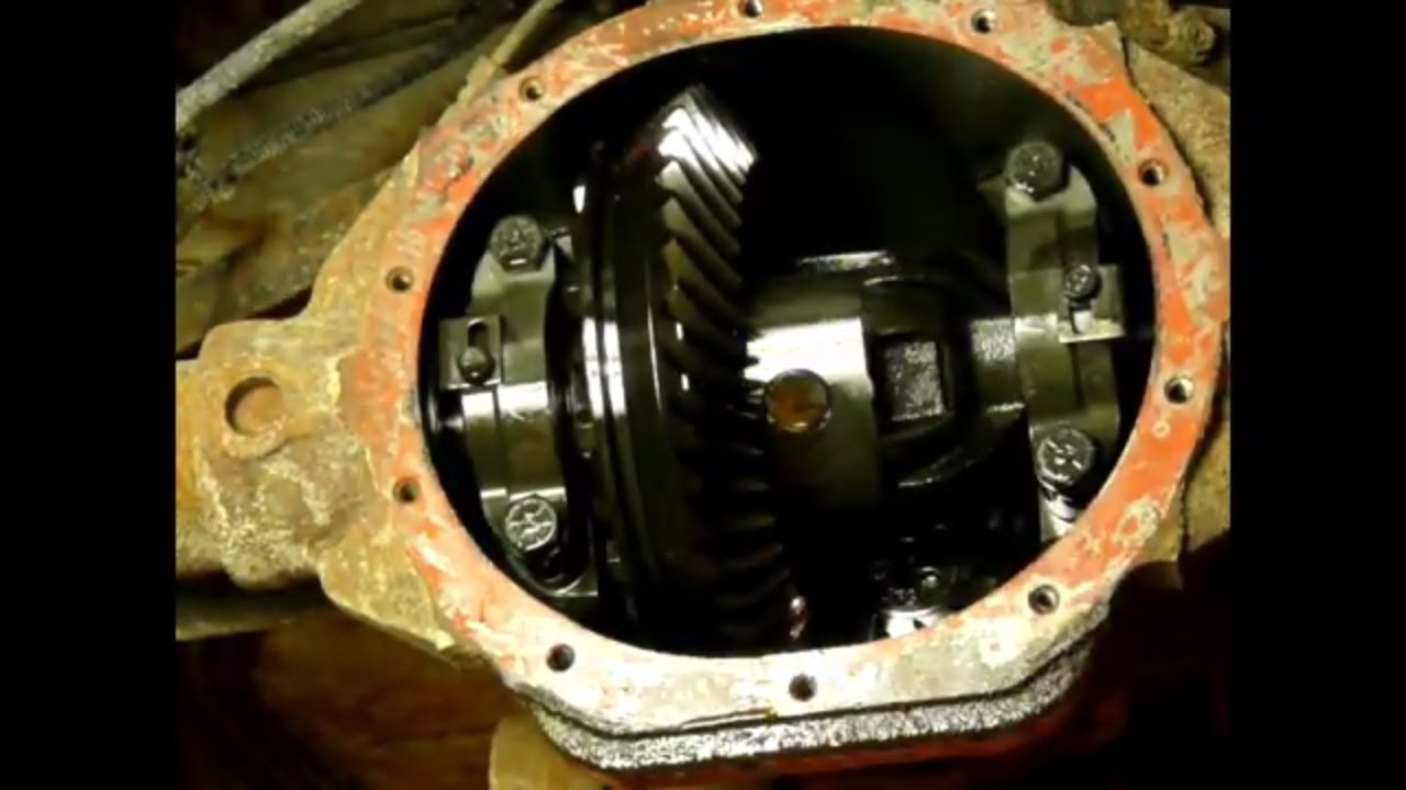 jeep liberty rear axle seals and pinion seal replacement [ 1280 x 720 Pixel ]