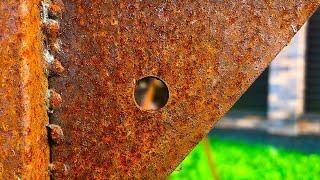 Полезная самоделка для дома из металлолома