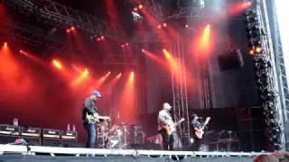 Pixies - I bleed - live WTAI 2009