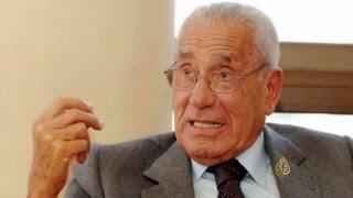 وفاة الكاتب الصحفي محمد حسنين هيكل.. كان ظلا لعبد الناصر ومؤيدا للانقلاب