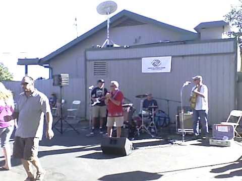Drunken Neighbors Band at 2009 CB's Pig Roast
