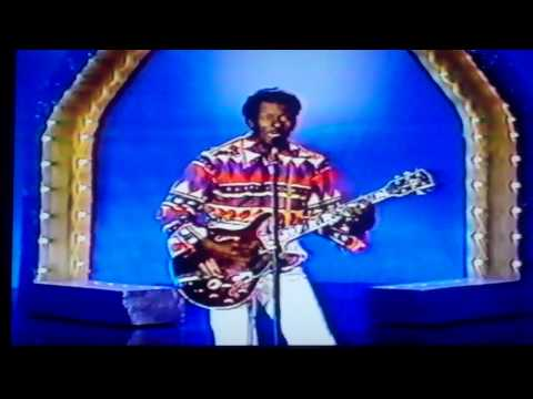 Chuck Berry....Interview / Roll Over Beethoven.....1987