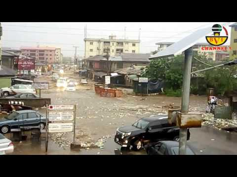 How Flood Swept Cars Today In Onitsha Biafra Land.