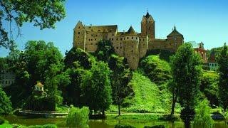 Чехия - замок Локет(Локет — каменный замок в Чехии, примерно в 120 км к западу от Праги, около города Карловы Вары. Своё название..., 2015-06-29T19:21:10.000Z)