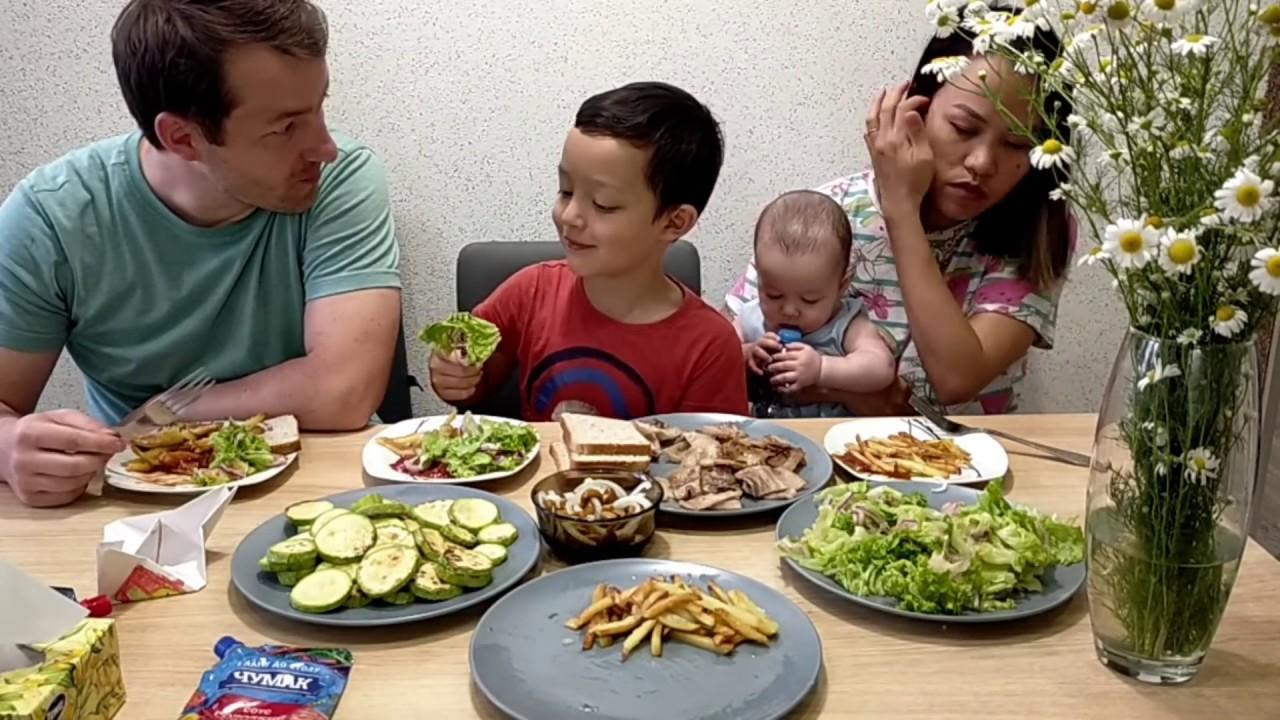 Hôm nay cho cả nhà ăn Salad rau cải giảm cân💥 Lucas đi bơi sẵn dọn rong sạch sẽ ở sông luôn