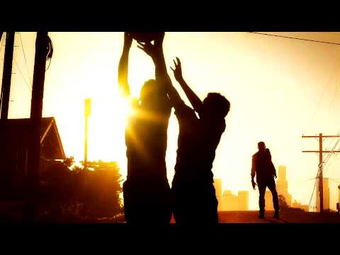 Fear the Walking Dead Music: Moby 'Wait for Me'