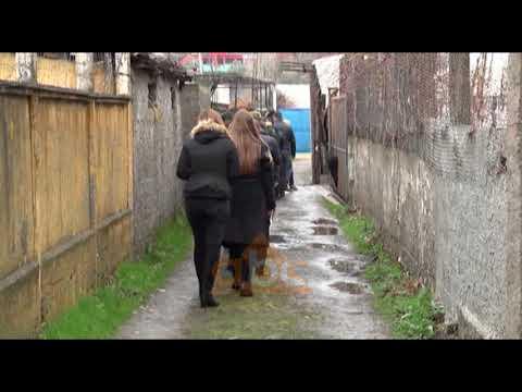 Lezhe, mberrijne trupat e pajetë te dy motrave Frroku   | ABC News Albania