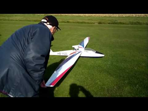 Pilatus B4 von Lt -Modell ( Erstflug)