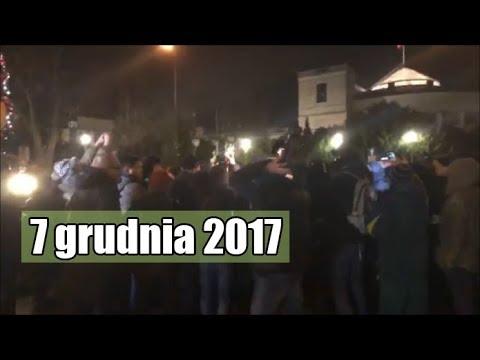 Zadyma pod Sejmem | Nagranie z transmisji live 🛑 7 grudnia 2017 noc