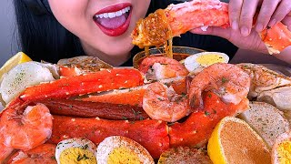 (ASMR MUKBANG) GIANT SEAFOOD BOIL (KING CRAB, SHRIMP, BUTTER SAUCE) *NO TALKING* | ASMR Phan