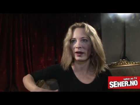Maria Bonnevie speaks norwegian about