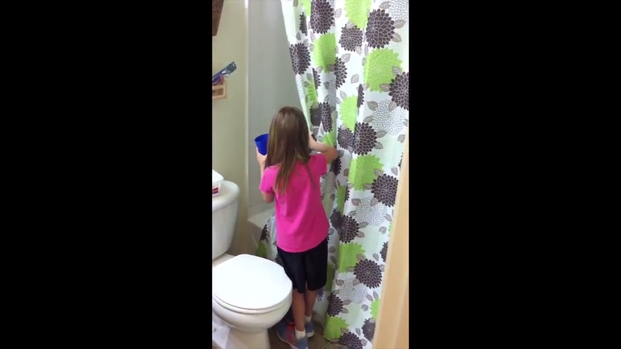 COLD WATER SHOWER PRANK ON MY SISTER