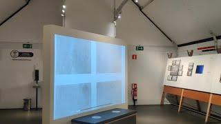 La plaza del Ayuntamiento de Logroño acoge una exposición sobre el 'Guernica'