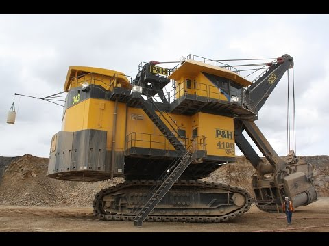 P&H 4100 XPC Mining Shovel Assembly Time-lapse