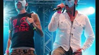 hollywood undead sell your soul (live)