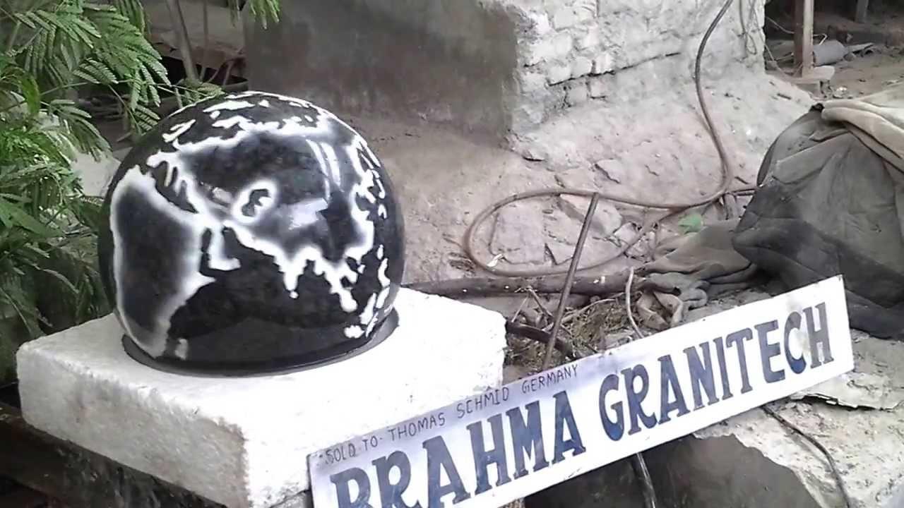 Gartenbrunnen kugel wasserspiel kugel wasserspiele kugelbrunnen brunnen mit kugel granit youtube for Gartenbrunnen kugel