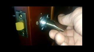 Как самому установить межкомнатные двери, собрать дверную раму? Как врезать дверные ручки-защёлки?