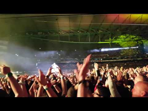 Coldplay - 4K Hymn For The Weekend  (Melbourne 10/12/16)