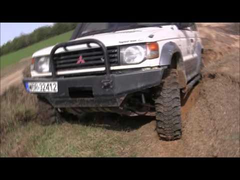 Nissan Patrol Y60 4.2TD Mitsubishi Pajero 3.0 V6 4x4 Off -road