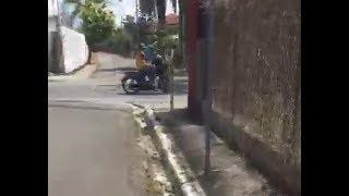 El indignante vídeo viral de broma a joven haitiano que casi termina en tragedia!!!
