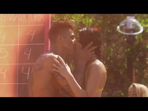 Se Mathias och Karins första kyss I Love Island Sverige 2018