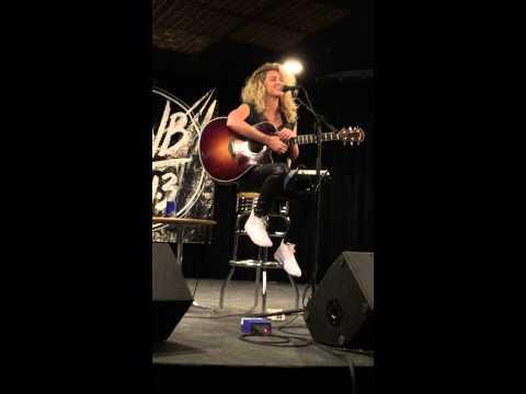 Tori Kelly singing Vine jingle