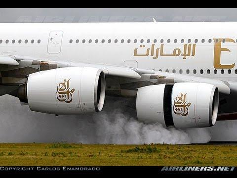A380 FULL thrust reverse on a wet runway Emirates A6-EDS @ AMS Schiphol