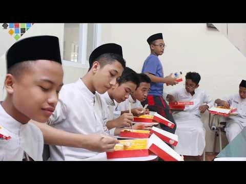 Pondok Pesantren Daarul Qur'an Yusuf Mansur 2017-2018 Kelas 8D