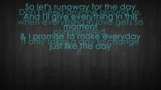 Repeat youtube video Bruno Mars - runaway lyrics