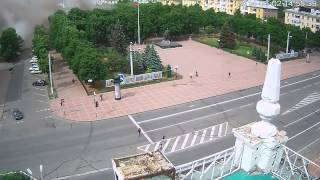 02.06.14 Луганск Момент авиаудара по ОГА(Авиаудар https://www.youtube.com/watch?v=jkfjyW2ufWQ https://www.youtube.com/watch?v=Yamx5P9JhuM http://www.youtube.com/watch?v=-N8pppxd0Sc ..., 2014-06-02T13:52:26.000Z)