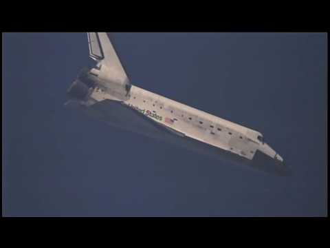 """Welcome Back!"" Discovery Lands Safely at Kennedy"