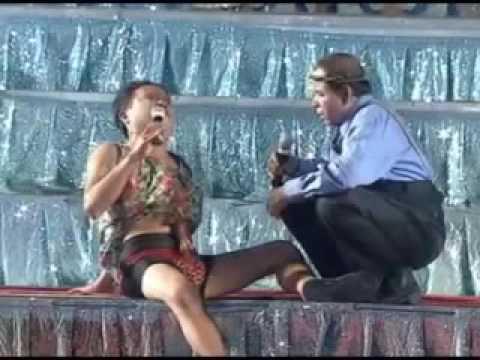 ตลกเสียงอิสาน  หมอแหลมเอาอยู่ - ยายแหลม&ยายจื้น&คำมอด  บันทึกการแสดงสดตลกคณะเสียงอีสาน ชุด 28