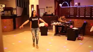 Лезгинка  Красивая Девушка от Души танцует Лезгинку