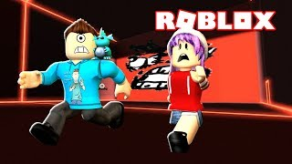L'IMPOSSIWALL ! Roblox Be Crushed by a Speeding Wall w/ RadioJH Games! MicroGardien