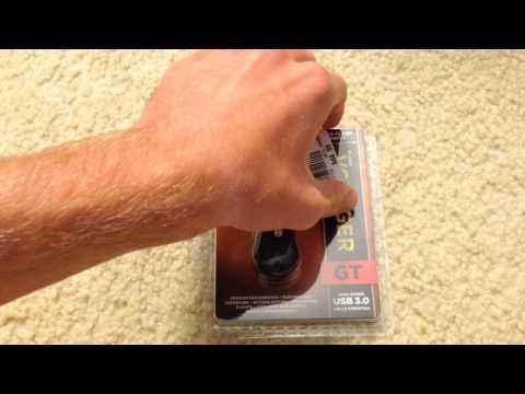 Corsair Voyager GT 32 GB USB 3.0 Flash Drive