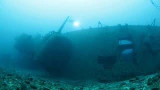 探訪・沖縄・古宇利島沖「米艦エモンズ」1/3 特攻機とともに沈む鋼鉄の墓標