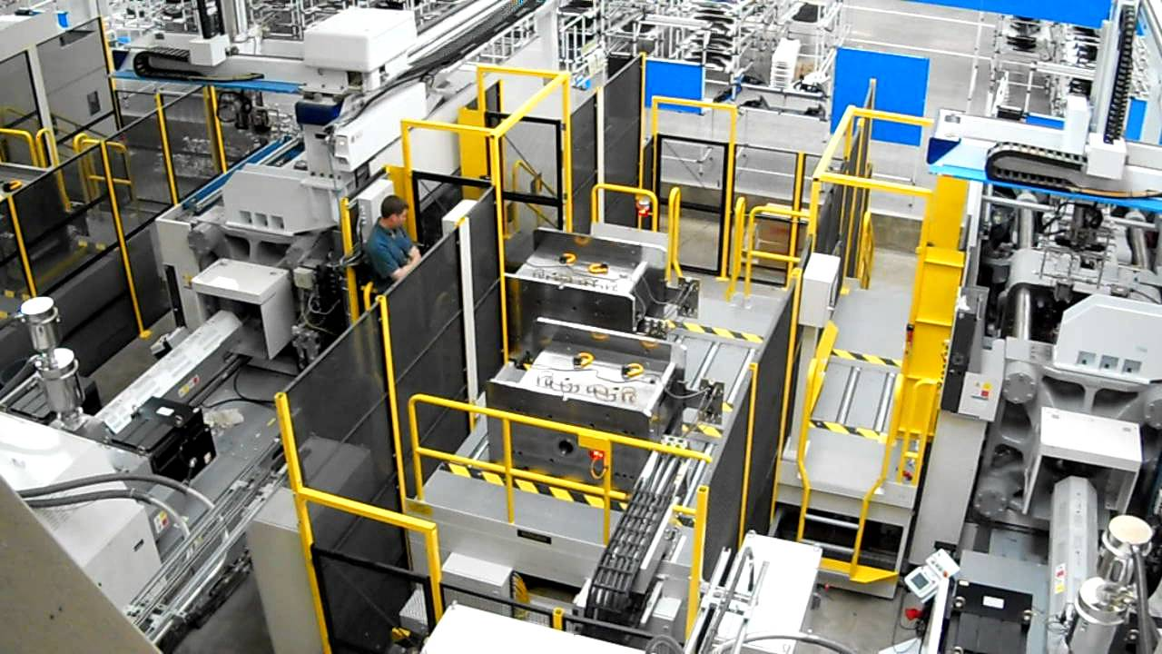Automatic Mold Change System With Autocouplers And