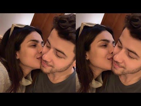 First Look of Priyanka Chopra and Nick Jonas from their romantic honeymoom in Lodon is too lovely