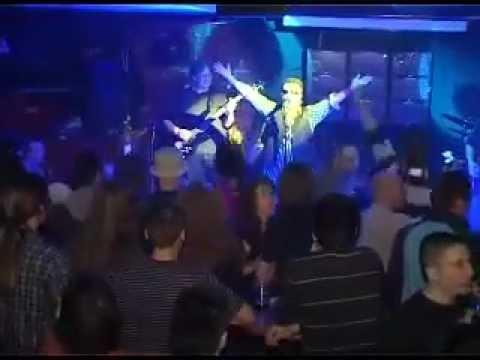 Elvis Jr. Kurtovich - Kad se babo vrati kuci pijan - live @ Danguba BG