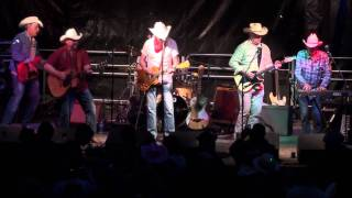 Los Pacaminos feat (Paul Young)@Off The Tracks Spring Festival 2011