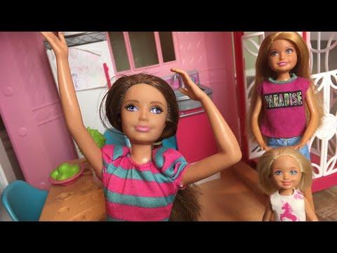 Barbie- Babysitting Double Trouble