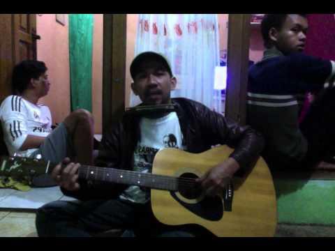 Iya Atau Tidak - Bunga Trotoar Band Acoustic (Cover) Iwan Fals
