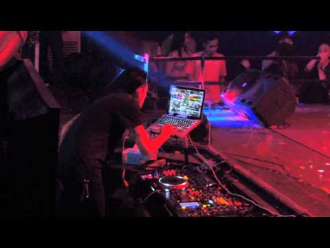 DJ  VICKY live At LIQUID CAFE JOGJA FRI  MAY  29 #2