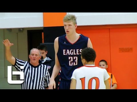 7ft 3 16 year old Connor Vanover Shows Unique Skills and Range!