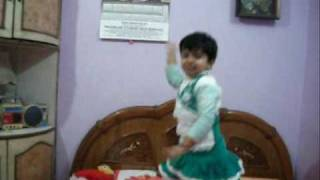 Angel Pari dancing on mehandi Song.wmv