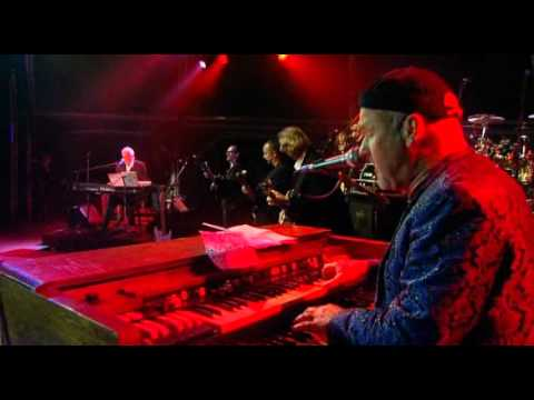 Paul Carrack - Over My Shoulder (Live)
